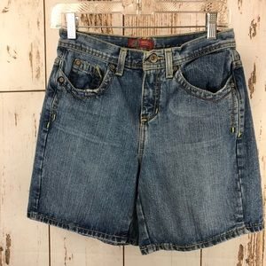Vintage Faded Glory Jean Shorts.  Size 4.  P13
